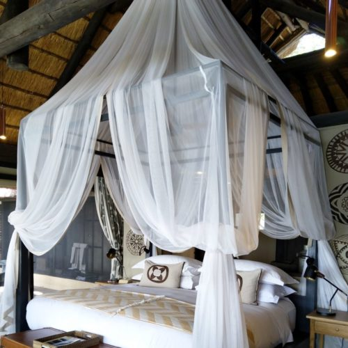 Hoopless Kiwinet over Four-Poster bed.3
